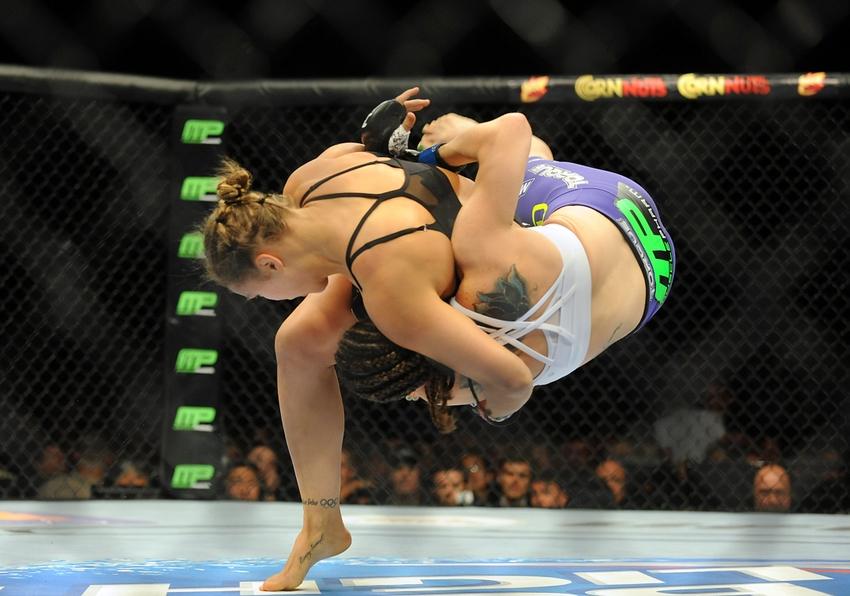 MMA: UFC 175-Rousey vs Davis