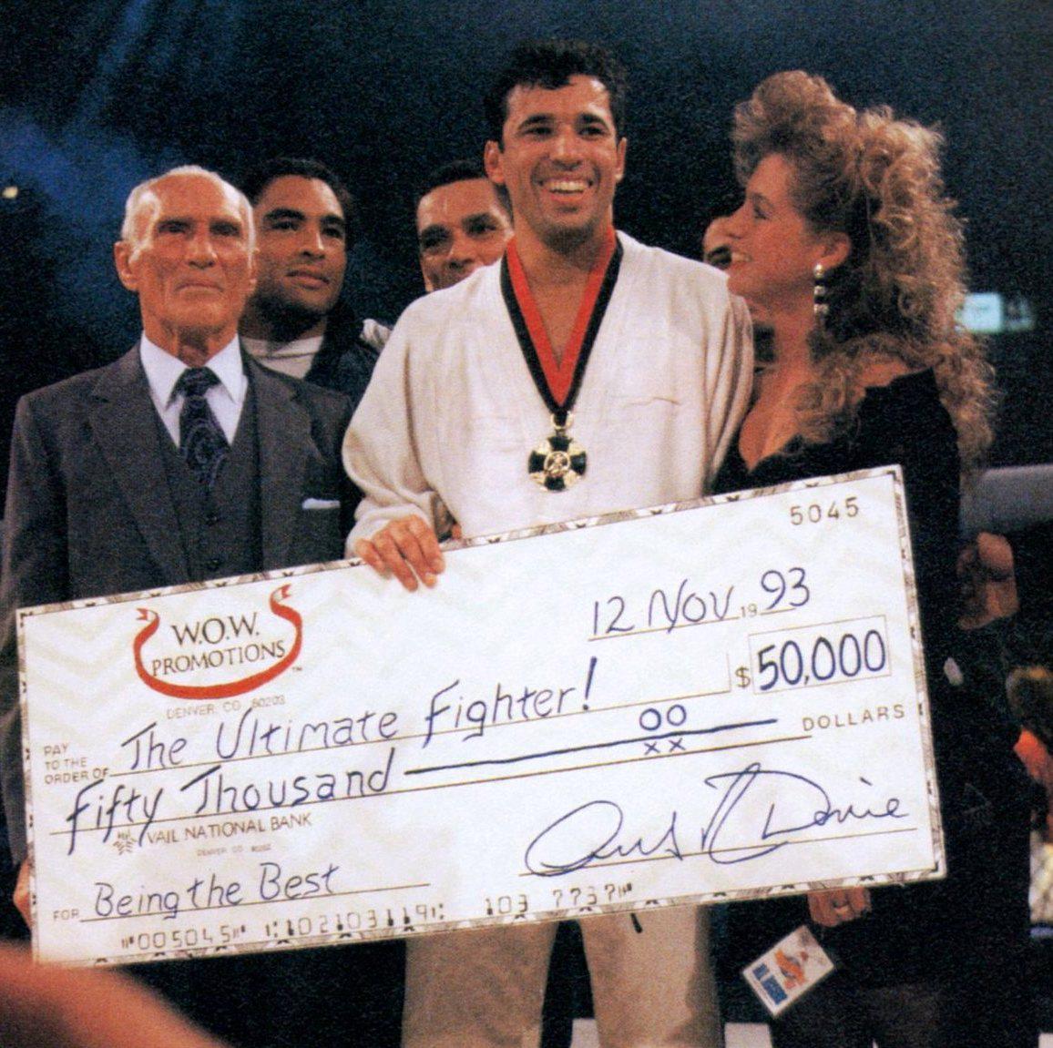 Royce-Gracie-UFC-campeão
